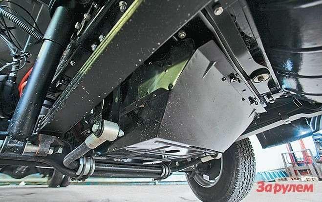 Самая удароопасная точка снизу—  поддон двигателя, нонерадиатор