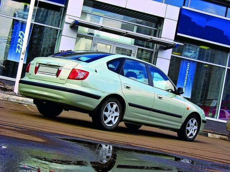 Hyundai Elantra (2000-2007, 2008-н.в.): Разумно идостаточно— фото 93313