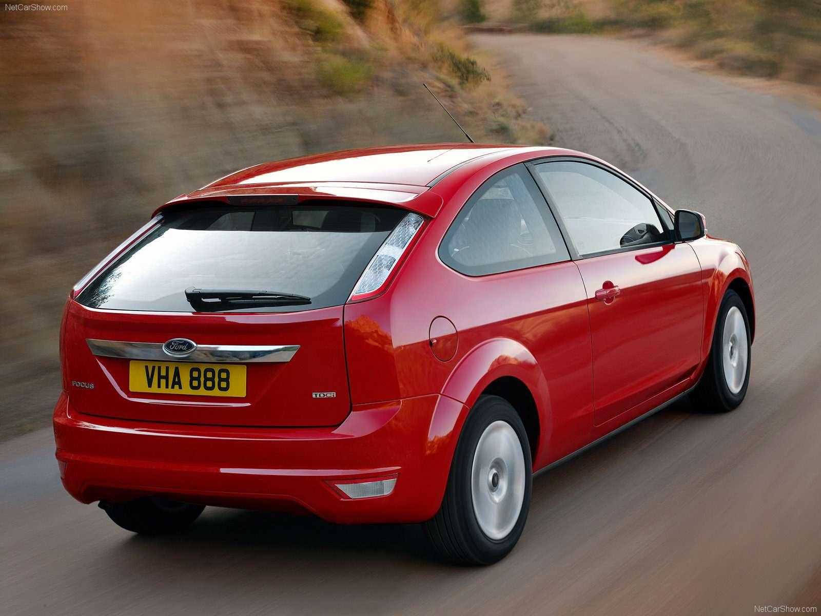 Ford-Focus_European_Version_2008_1600x1200_wallpaper_13