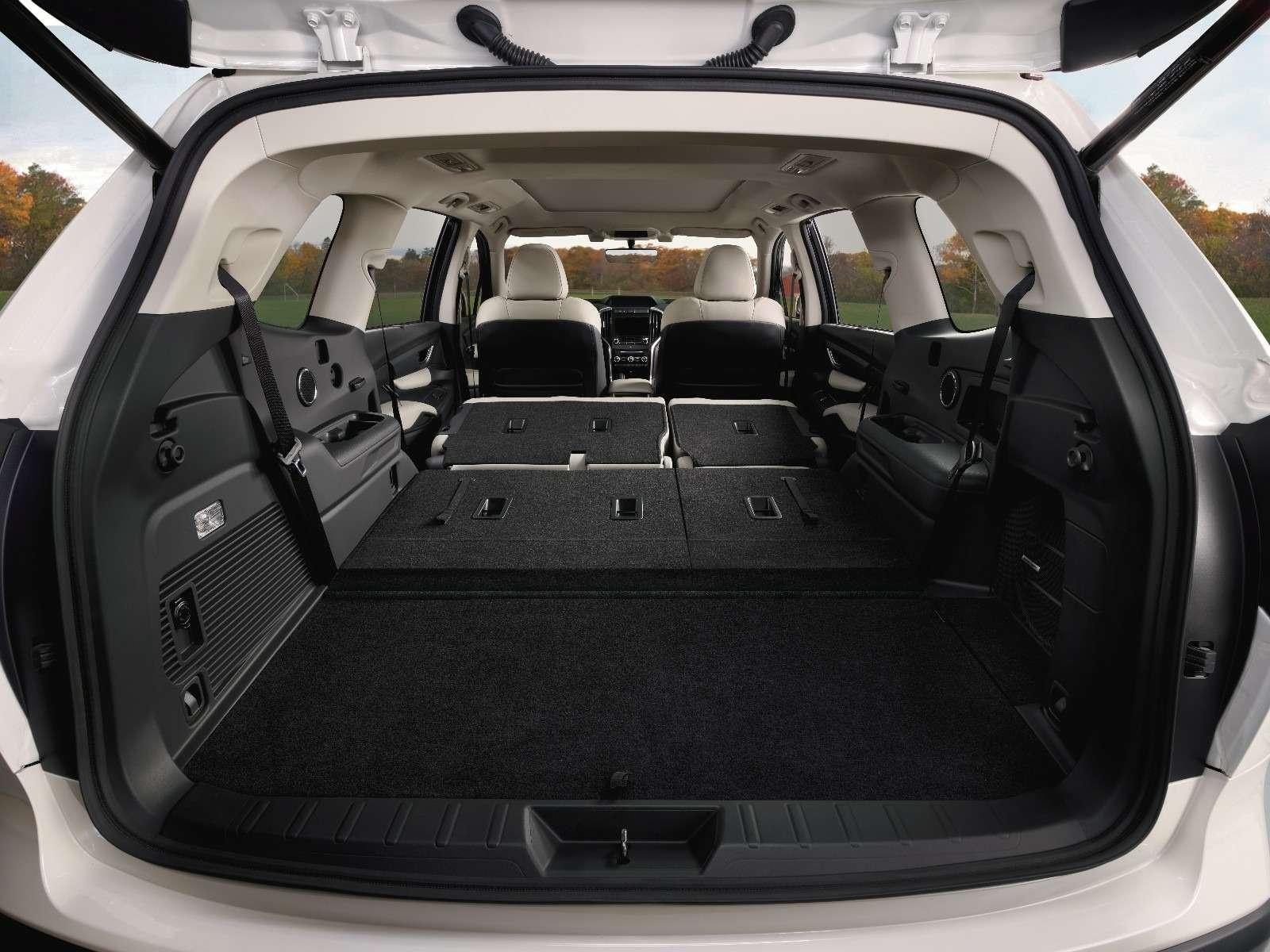 Subaru Ascent— 19подстаканников длявосьмерых— фото 821305