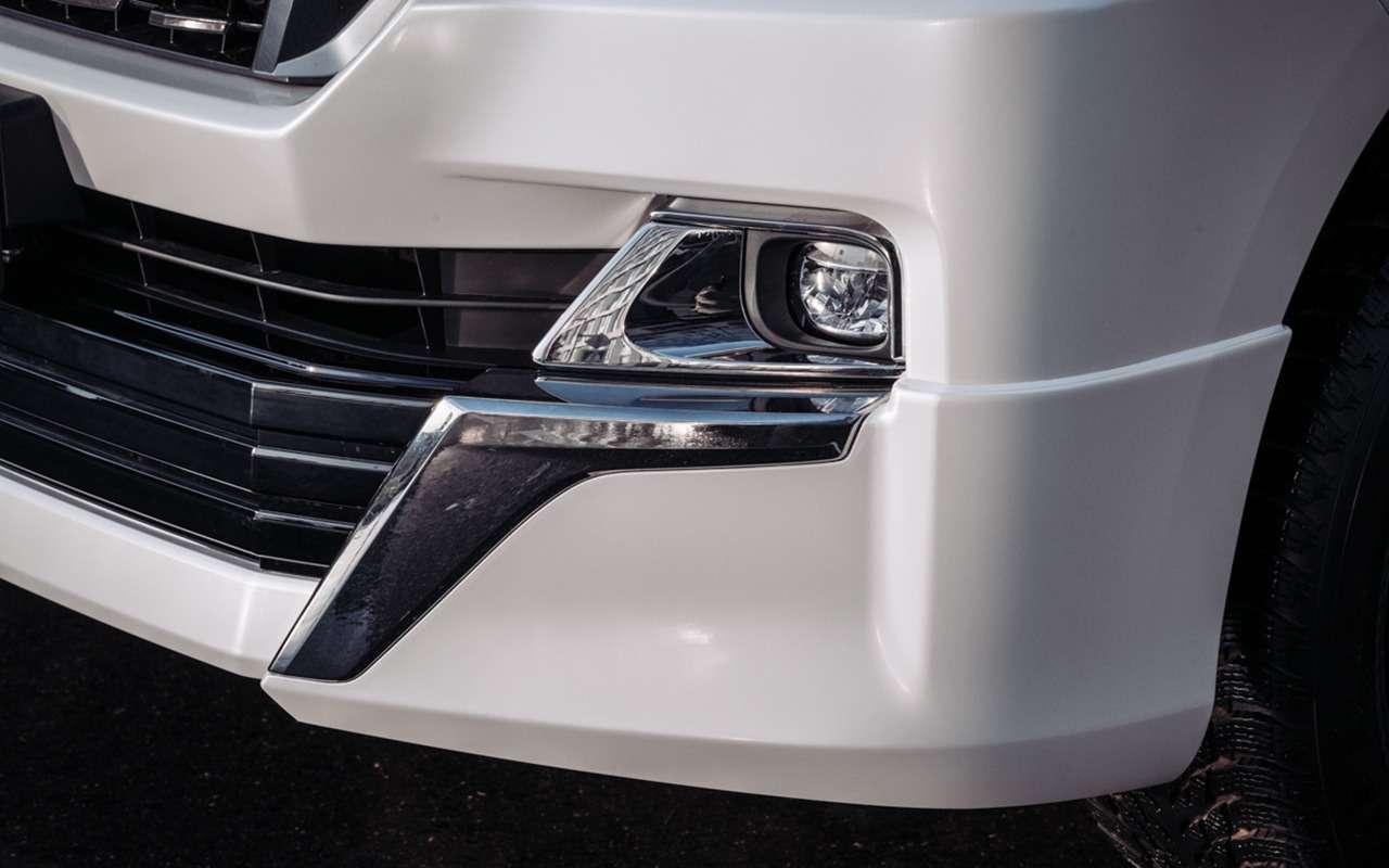 Обновилась топовая версия Land Cruiser 200— фото 1145781