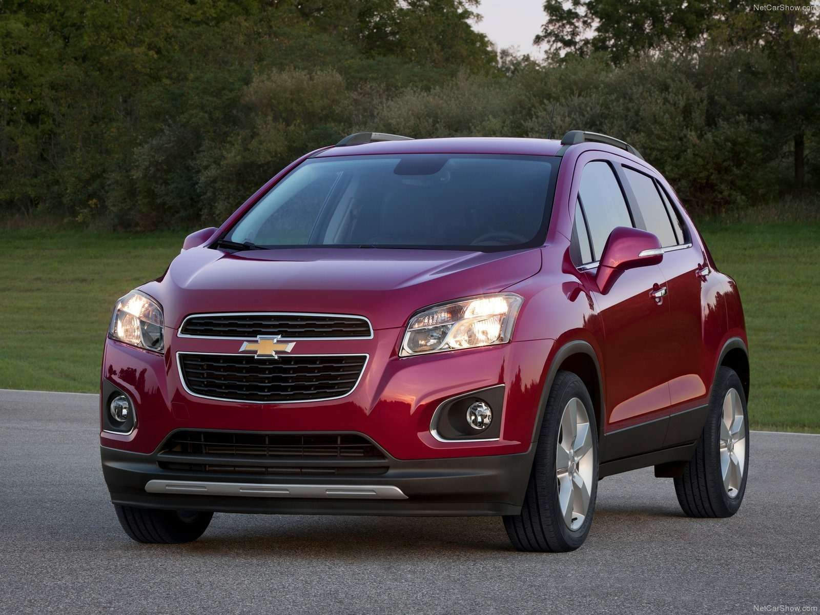 Chevrolet-Trax_2014_1600x1200_wallpaper_01
