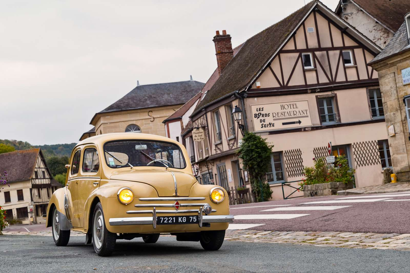 10-Renault-old_zr-01_16