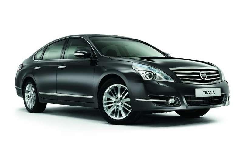 Nissan_Teana_2011_no_copyright