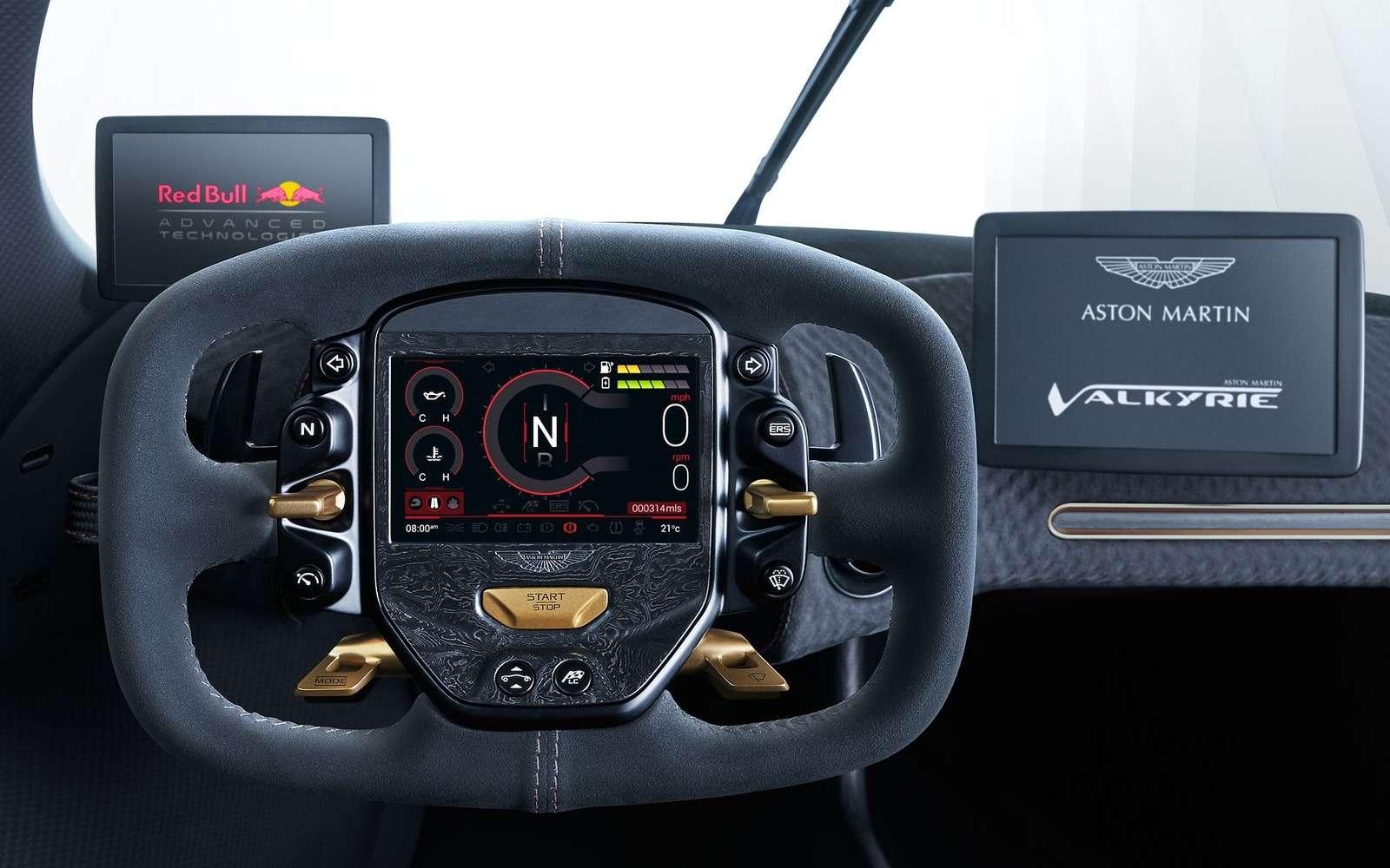 2 секунды досотни— Mercedes-AMG Project ONE против Aston Martin Valkyrie— фото 805568