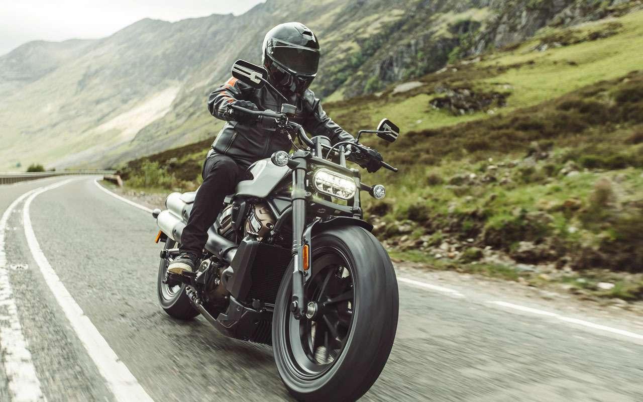 Новый Harley-Davidson— унего нет рамы!— фото 1261937