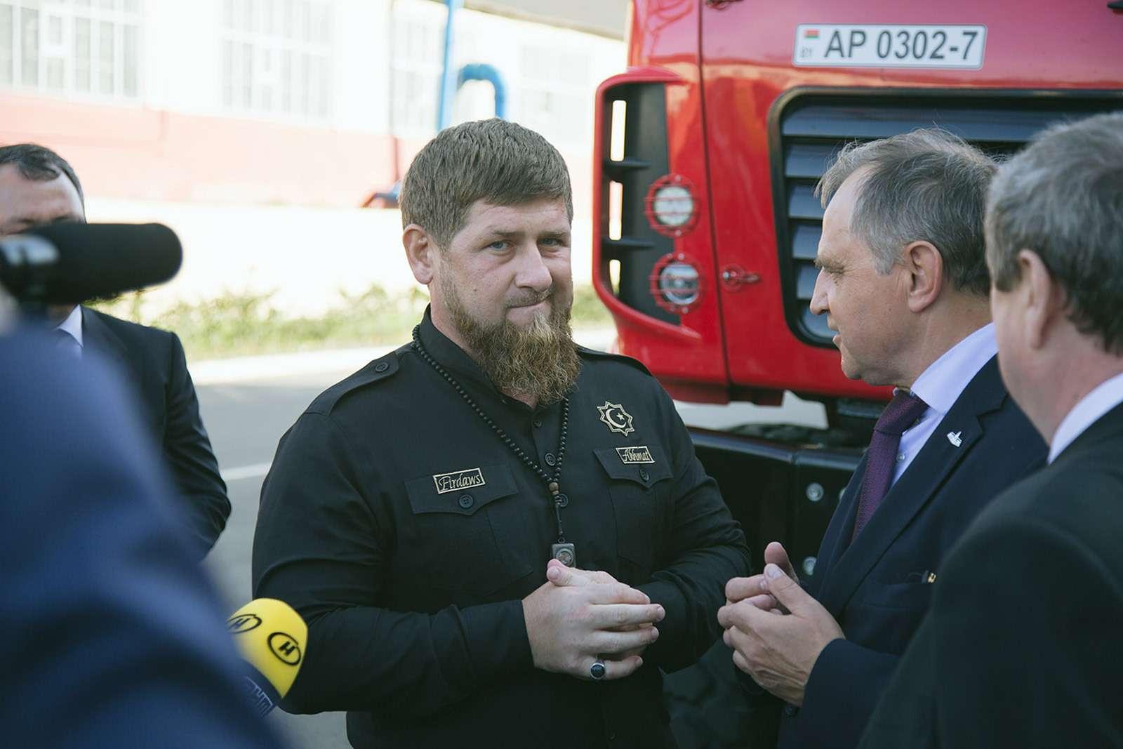 Рамзан Кадыров протестировал гоночный грузовик— фото 798430