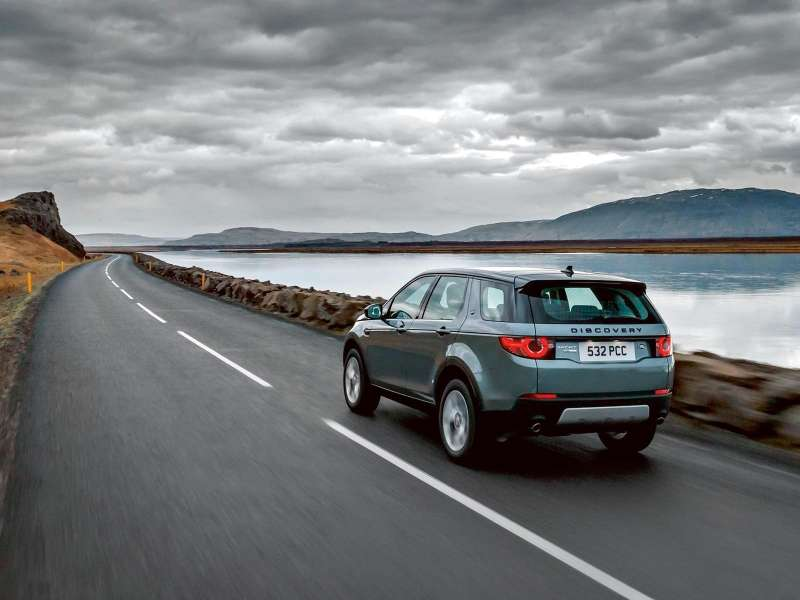 Land_Rover-Discovery_Sport_2015_1600x1200_wallpaper_4a