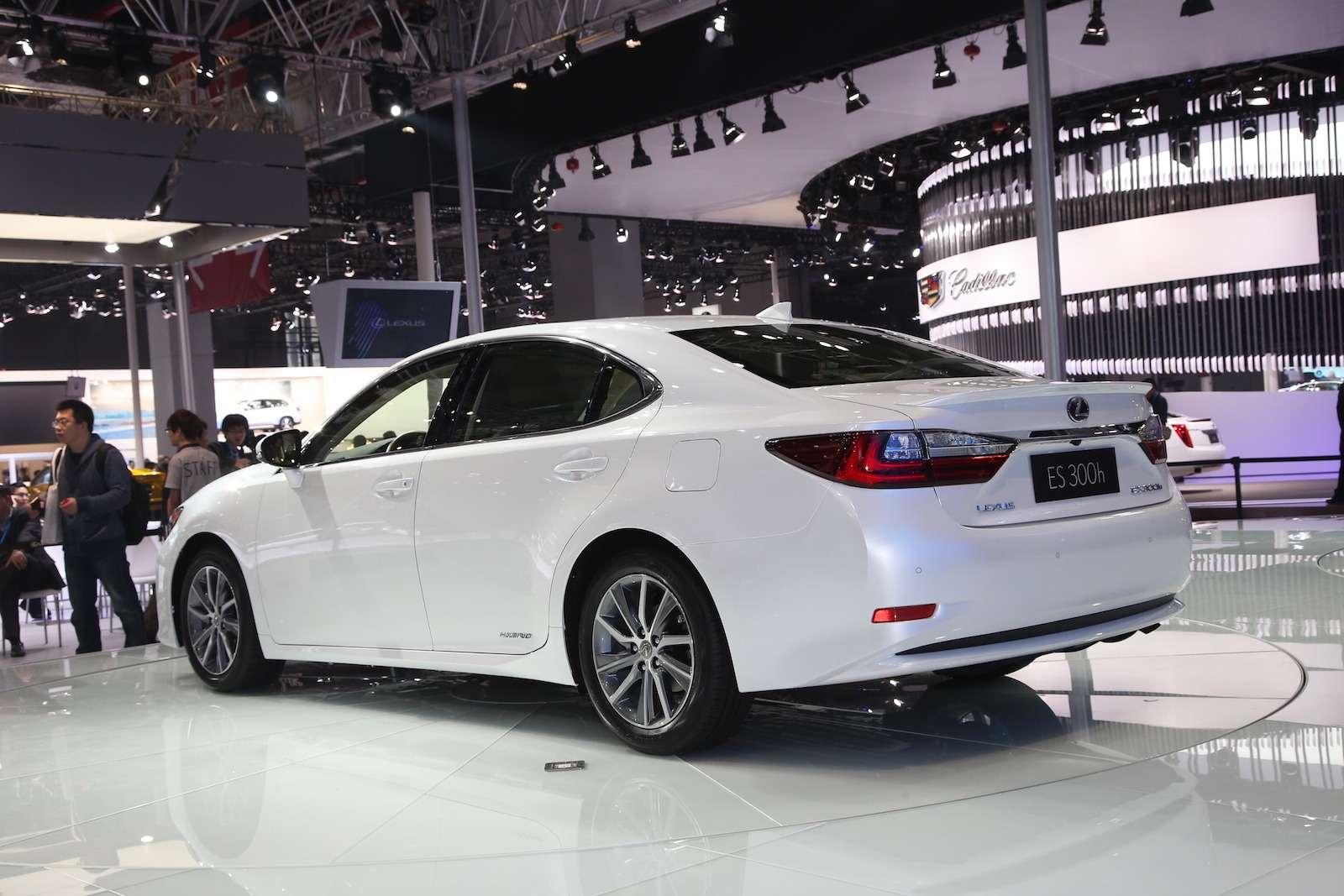 Lexus ES_2