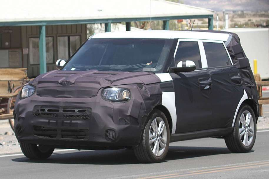 NewKia Soul test prototype side-front view_no_copyright