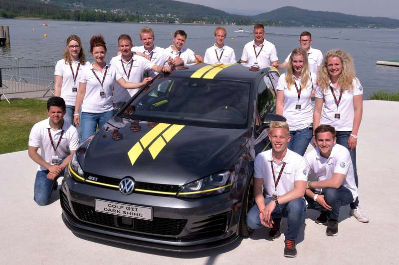 VW-Golf-GTI-Dark-Shine-2