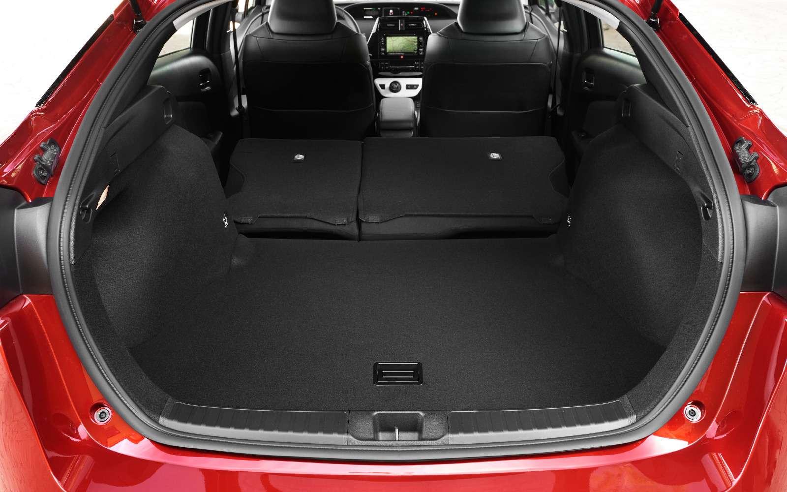 Дляумных ипродвинутых: Toyota Prius возвращается вРоссию— фото 698860