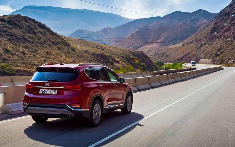 Тест нового Hyundai Santa Feскрутым автопилотом