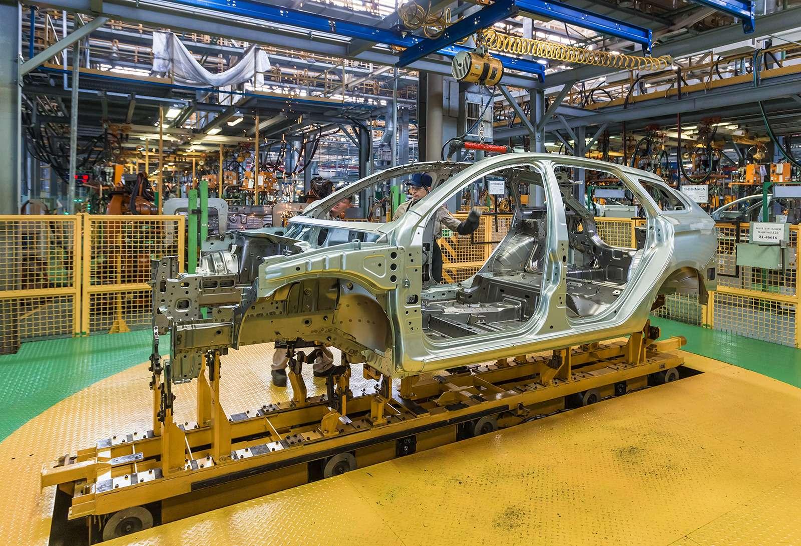 Началось производство универсалов Lada Vesta SWиSWCross— фото 793312