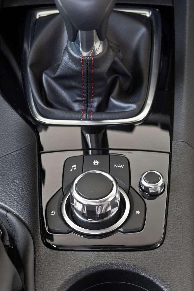 2014 Mazda3 Sedan 6[2] nocopyright (31)