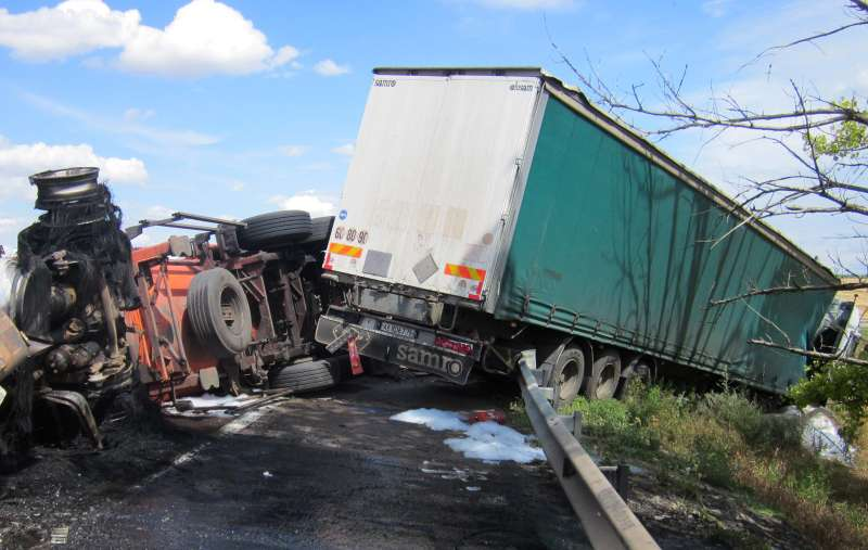 Two die in Rostov-on-Don Region truck collision