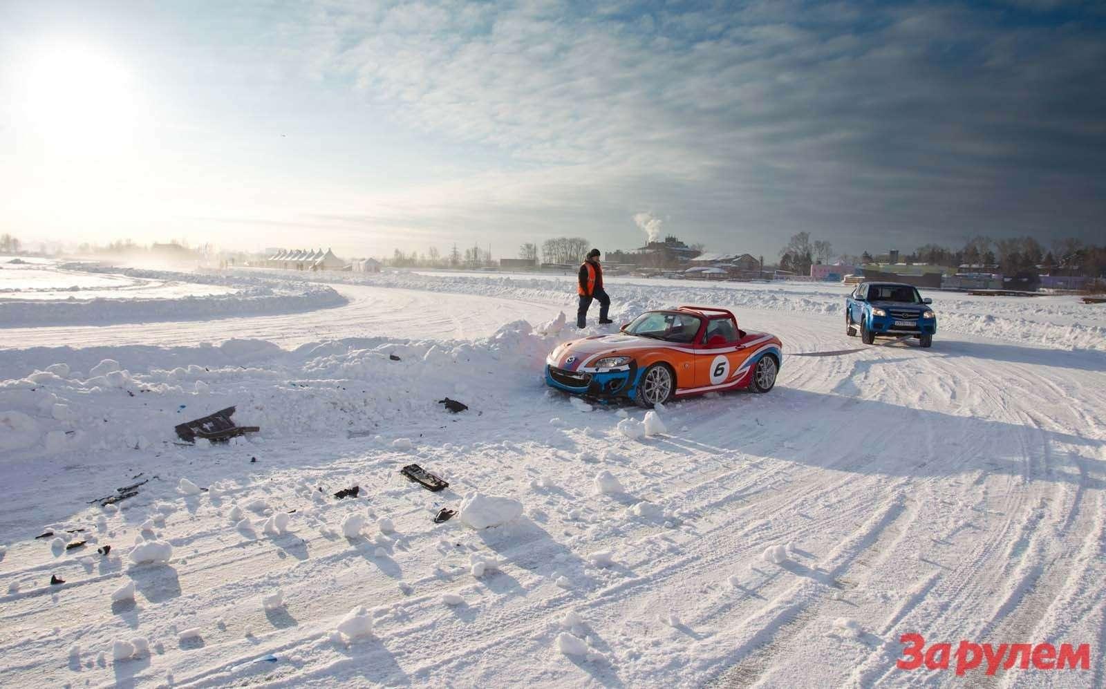 Mazda MX5Ice Race 2013     40