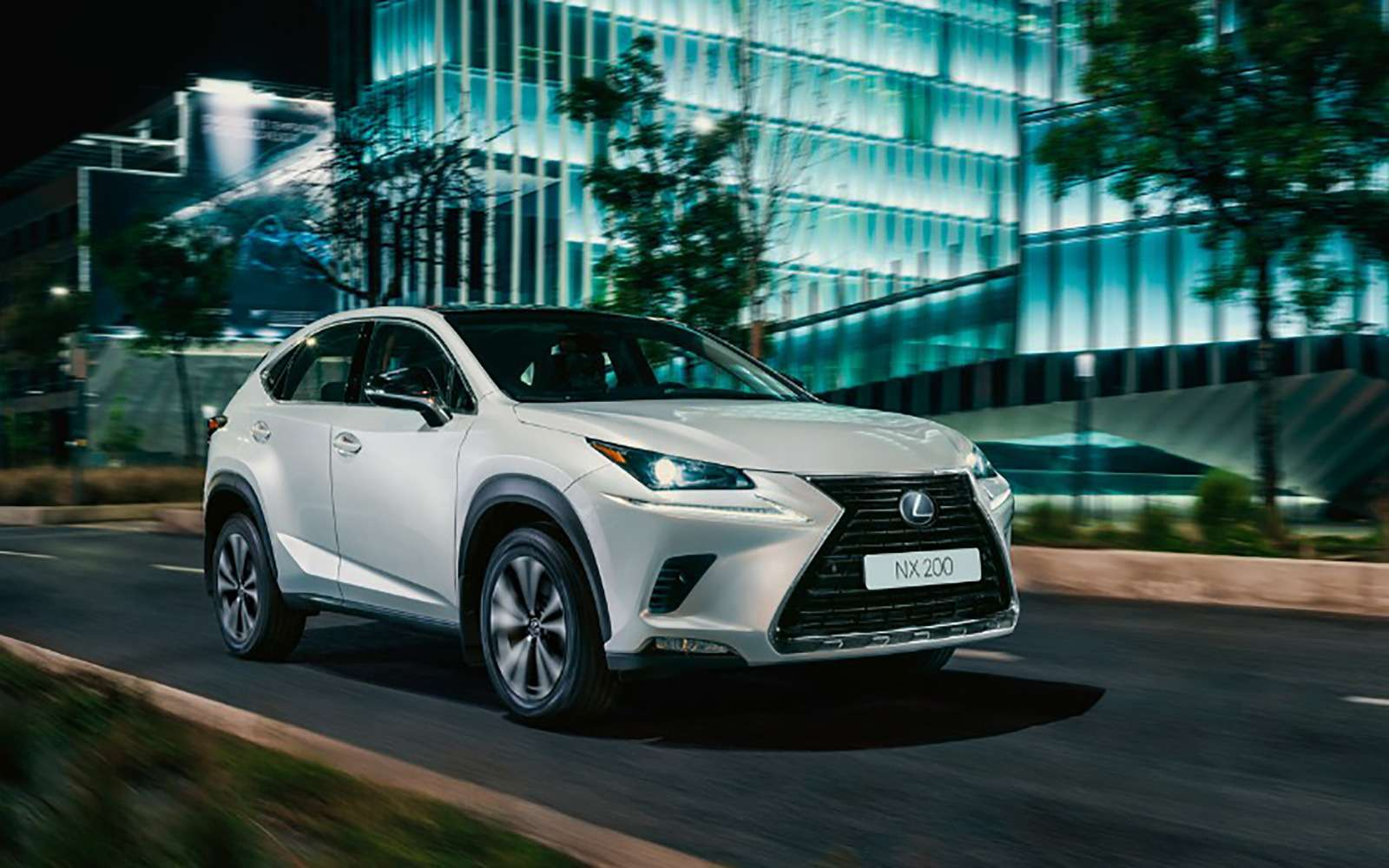 Lexus назвал российские цены наспецверсию кроссовера NX— фото 954734