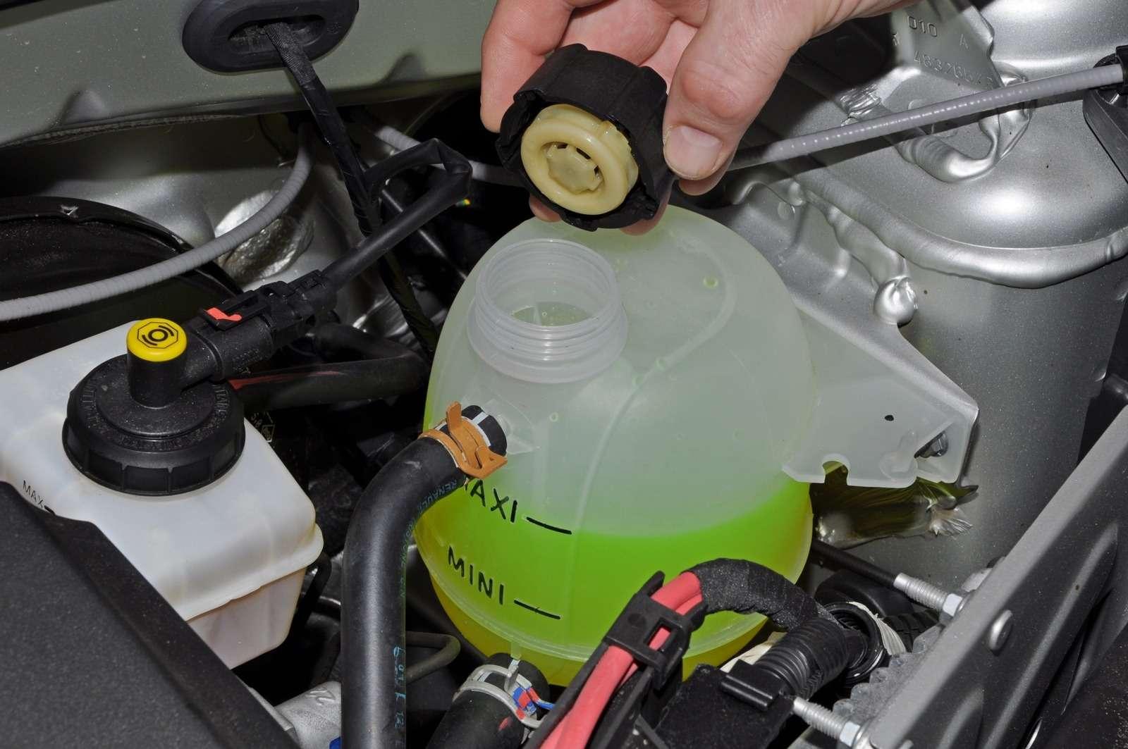 какую охлаждающую жидкость заливают в авто фольксваген
