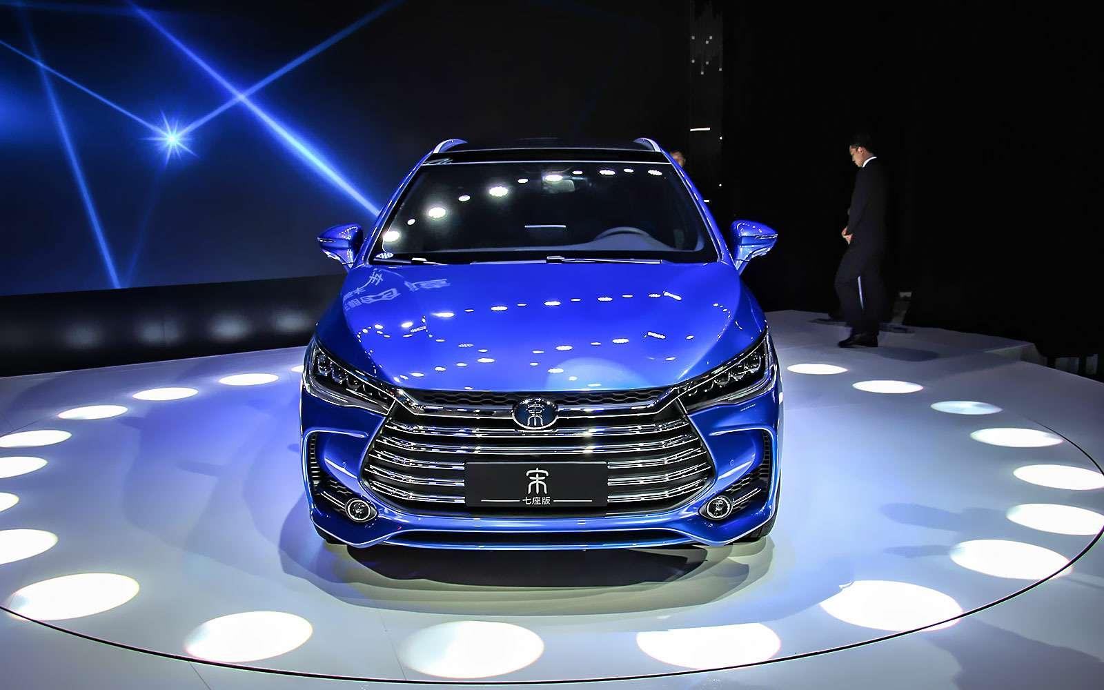 Новый Tiggo 5, будущая Camry идругие: онлайн-трансляция сШанхайского автосалона— фото 739273