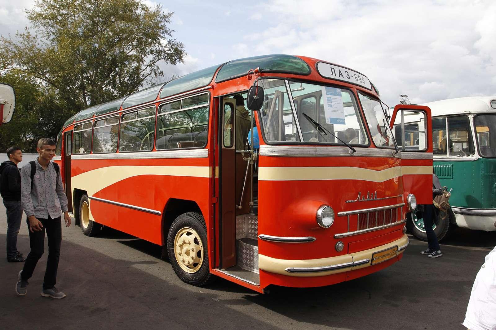 Автобусы нашего детства— выставка пассажирского транспорта— фото 792692