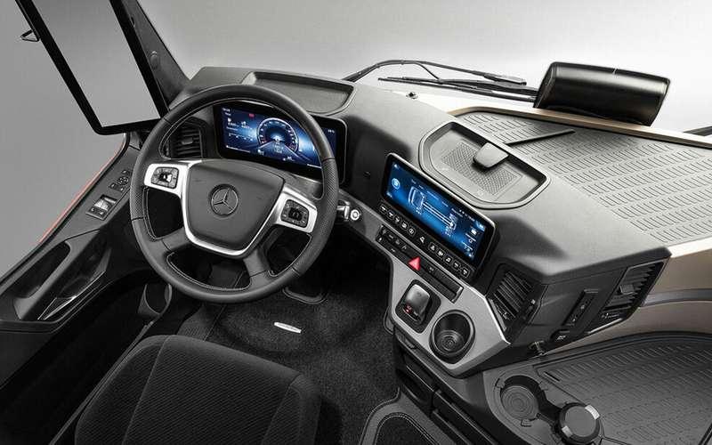 Mercedes выпустил S-класс длядальнобойщиков