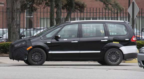 New Ford MPV test mule prototype side view_no_copyright