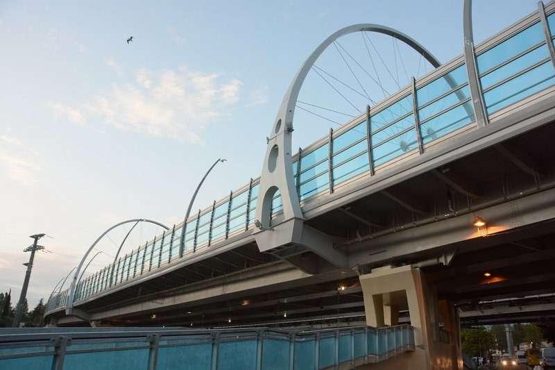 С перенагрузкой испытали новый мост встолице зимней Олимпиады