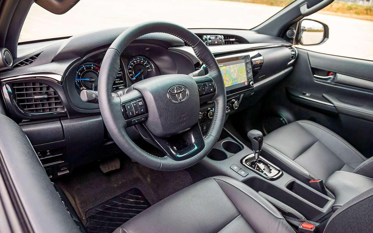 Пикап Toyota Hilux: все обновления— фото 1218977