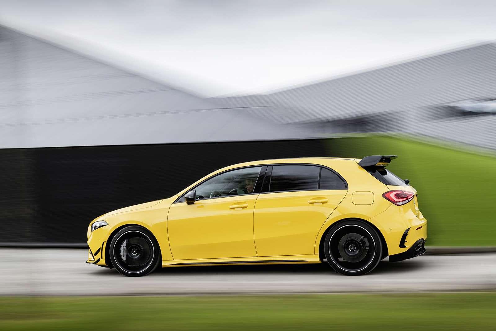 Самый дешевый Mercedes-AMG: разбираем его надетали— фото 906205