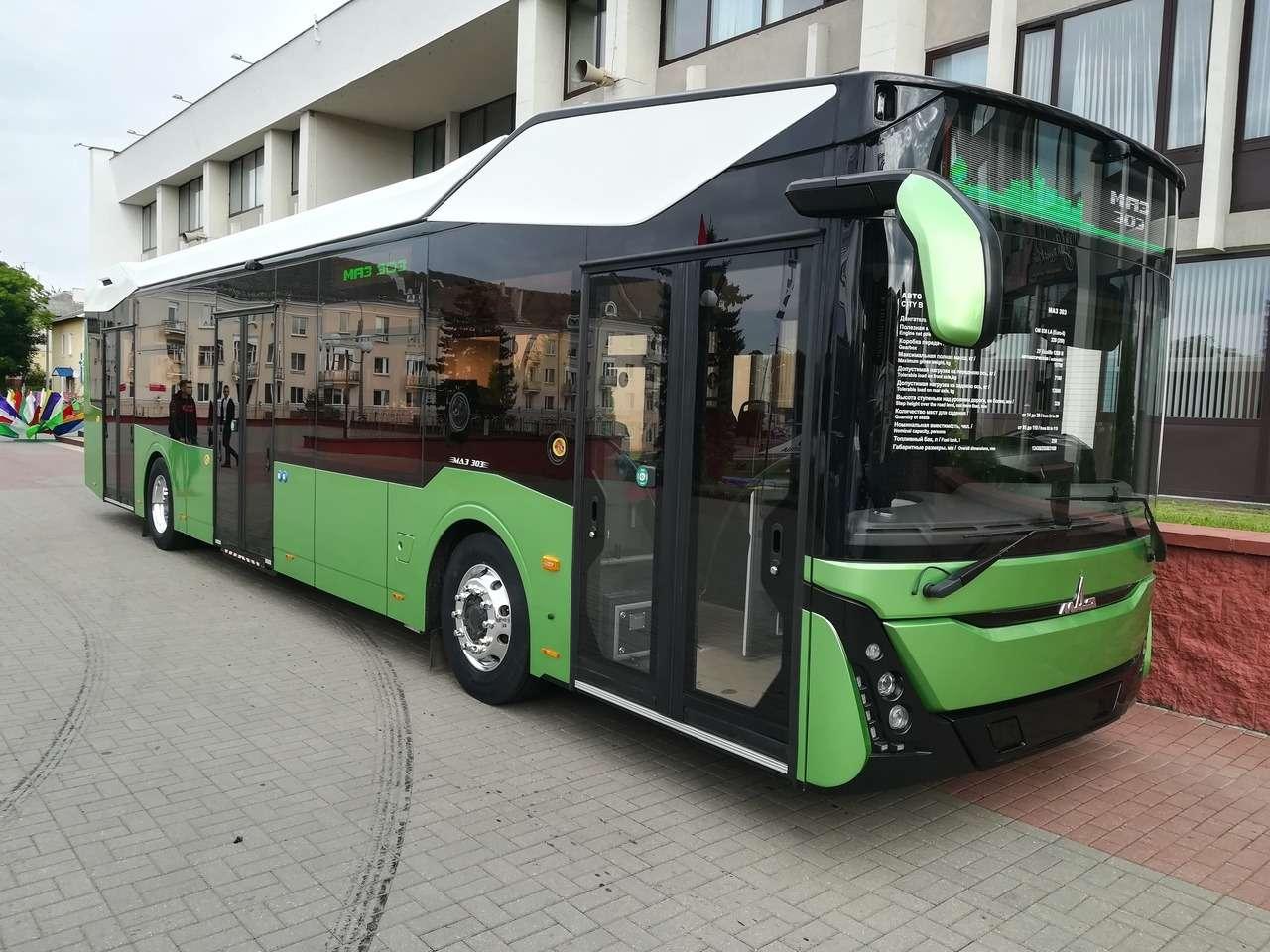 С новым... МАЗом! Премьера автобуса МАЗ-303— фото 991116