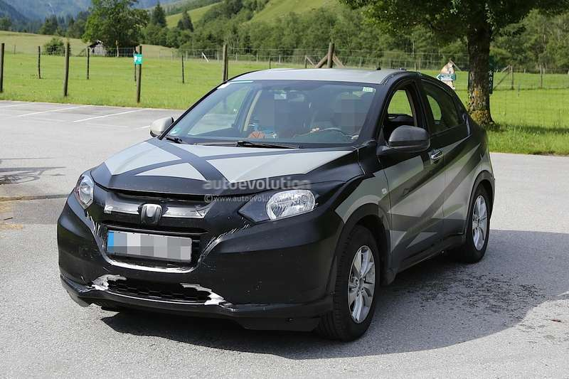 2015-honda-hr-v-spied-inside-out-photo-gallery-1080p-10
