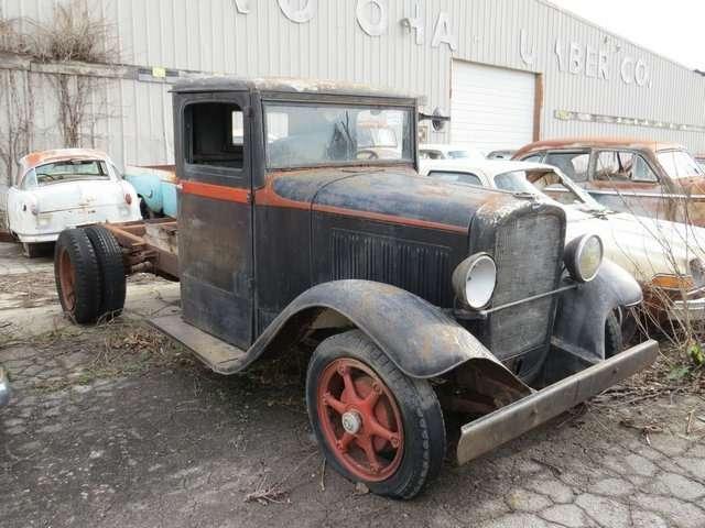 Бывший дальнобойщик решил продать свою коллекцию из700 машин— фото 702165