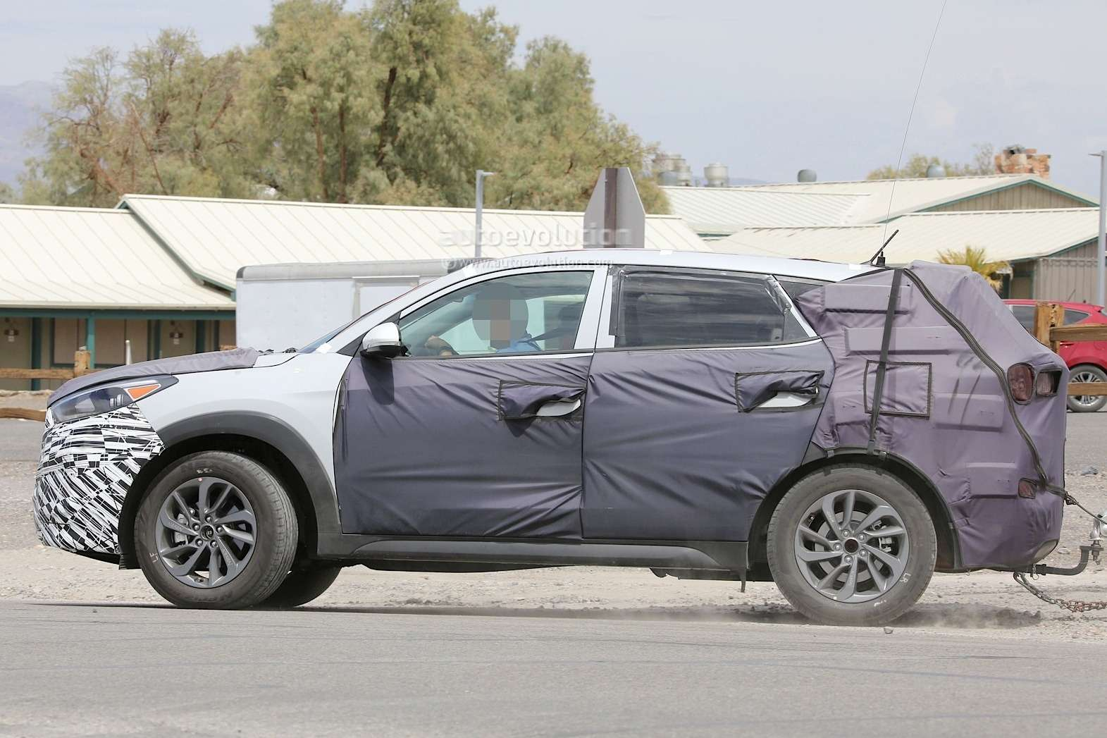 all-new-2016-hyundai-tucson-spied-with-less-camouflage-in-america-photo-gallery-1080p-8
