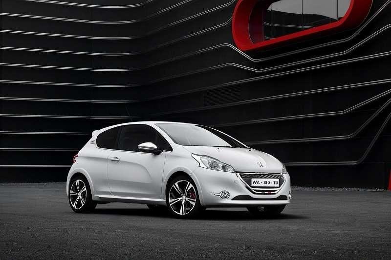 _no_copyright_2013-Peugeot-208-GTi